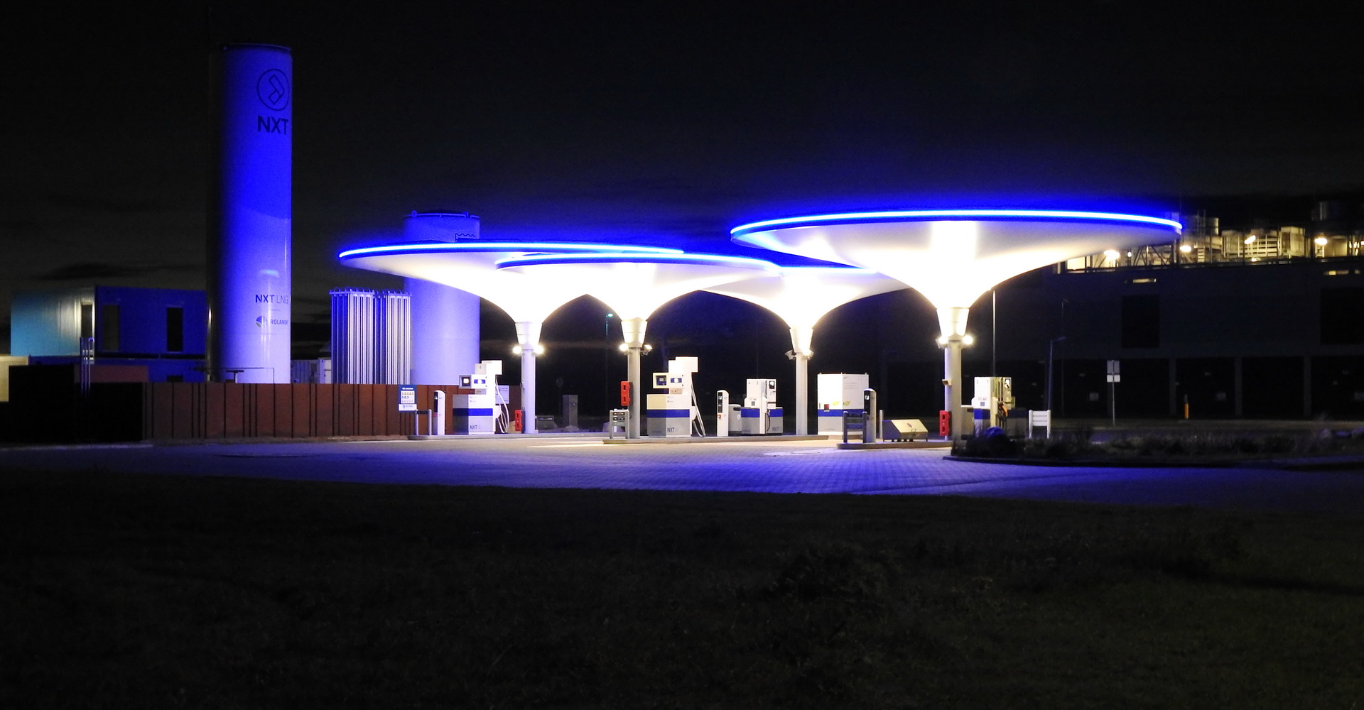 Industrial I Neon-Flex I On/Offshore I Utility I Facade I Ultra Violet LED